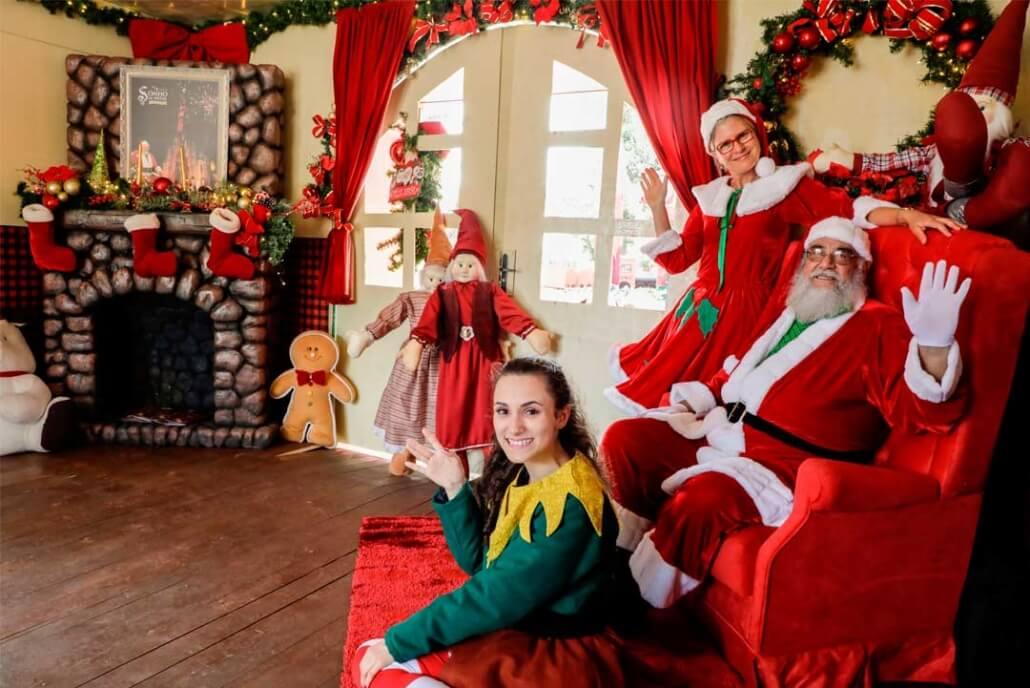 Canela e a Beleza do Natal - Casa Papai Noel