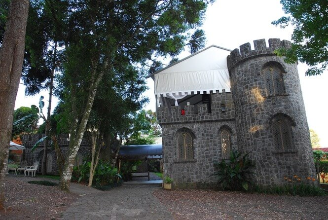 Castelo Alabasrdas - Ponto Turístico